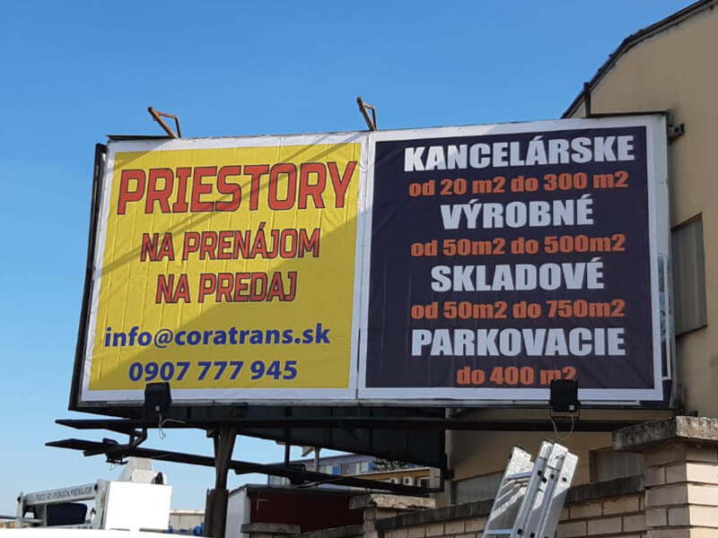 Montáž bannera v Žiari nad Hronom CORA